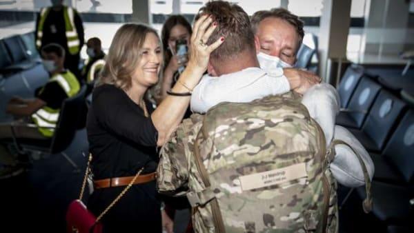 De sidste danske soldater vender hjem fra Afghanistan: 'Det er en stor dag'