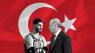 Den tyrkiske superstjerne, der kalder Erdogan for 'vores tids Hitler': 'Jeg sover med en panik-knap'