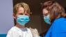 Skal vi vaccinere børn mod corona i Danmark? Flere eksperter siger nej